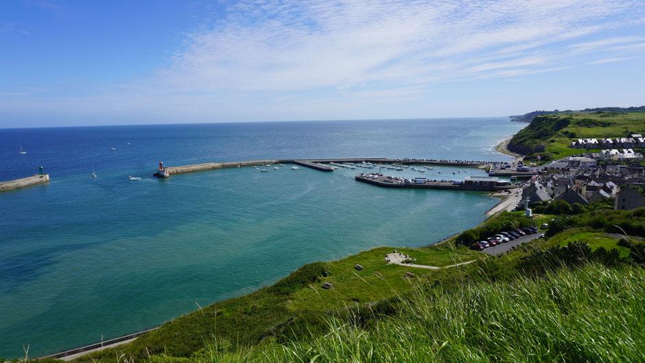 Ein Hafen und Blick zurück nach Norden