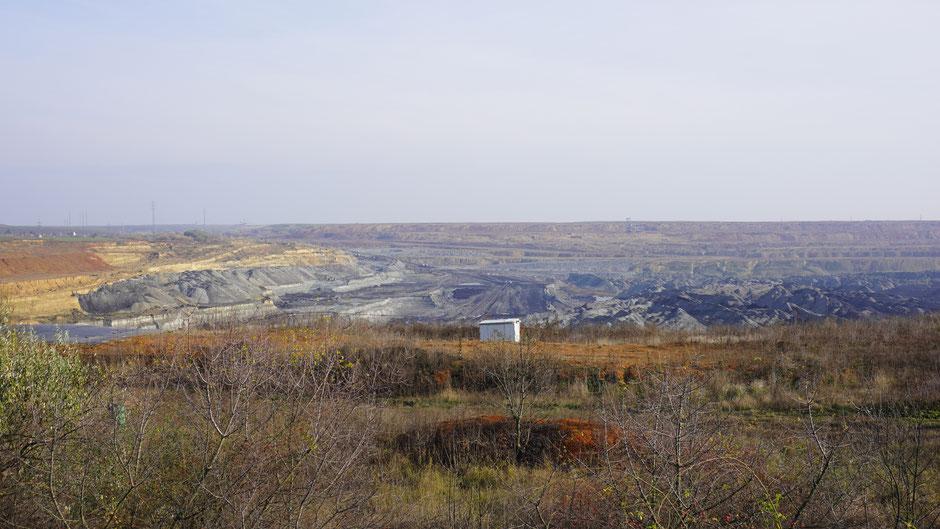 Braunkohleabbau für ein Kraftwerk bei Halmajugra