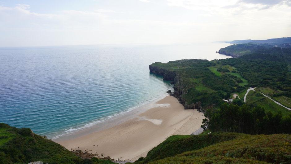 Eine der vielen schönen Buchten hier in Asturien