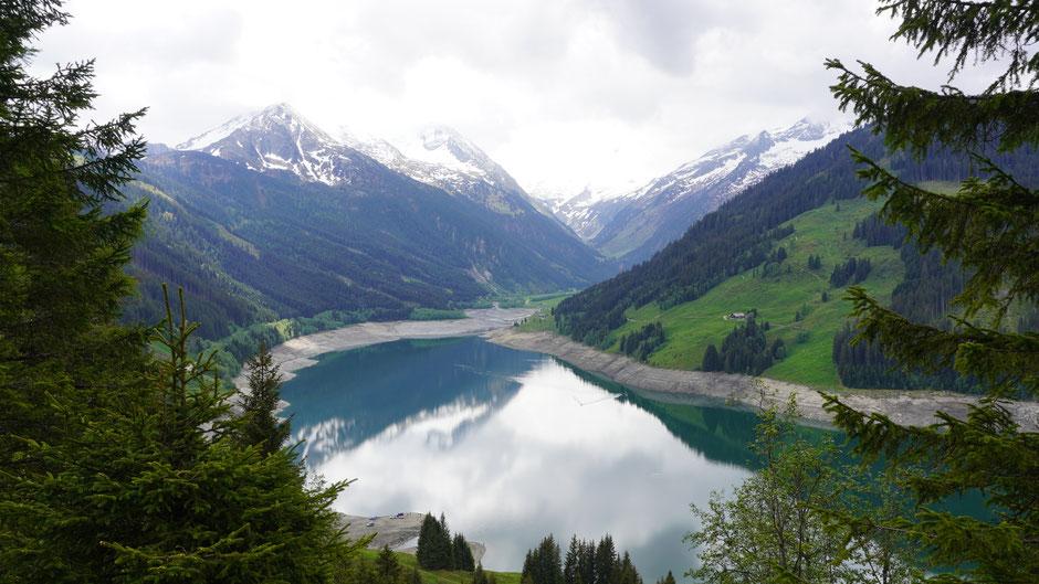 Speichersee Durlassboden - Berge verhangen