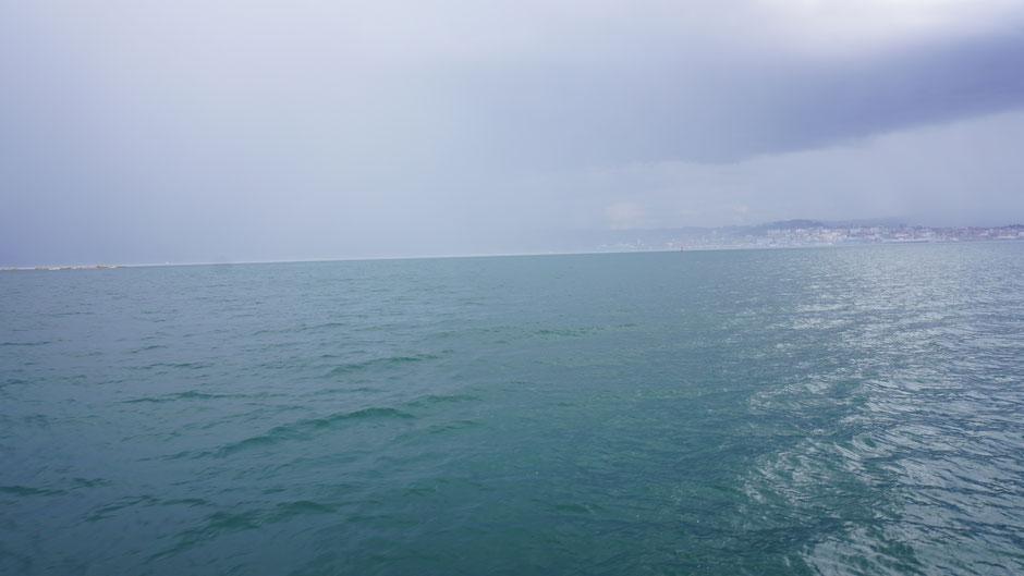 Eine Regenfront zieht über Vigo her ...