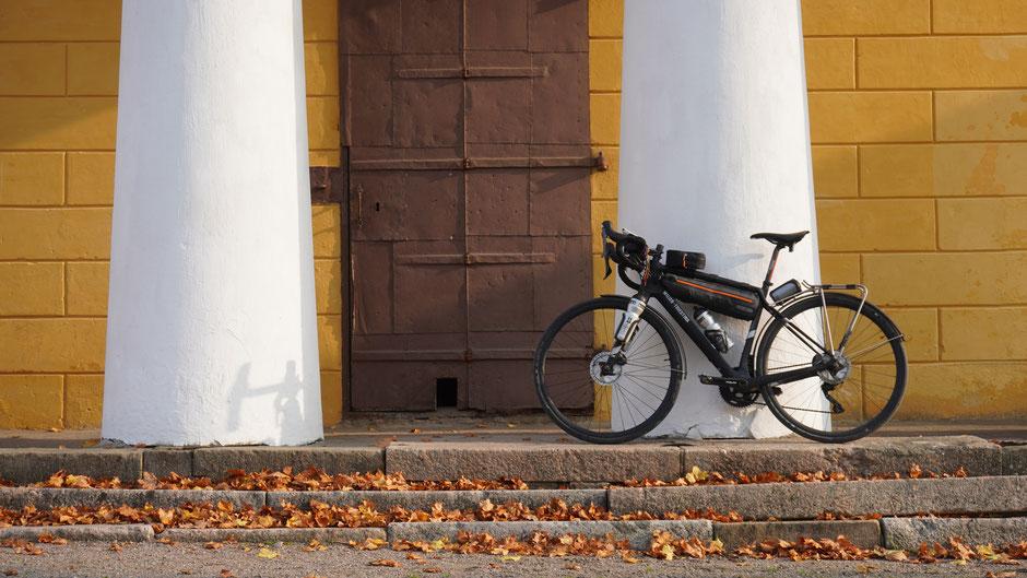 Herrschaftliches Fotoshooting mit tollem Bike