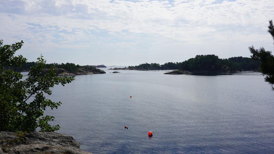 Küsteneinschnitt mit Aussicht