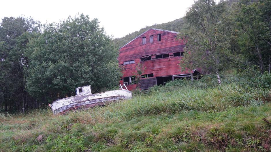 Mit Boot und Haus gestrandet ...