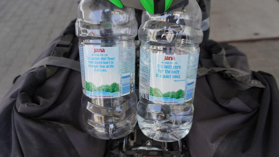 2 Liter Wasser, für Körper, Kopf und diese hier noch für darüber hinaus ...