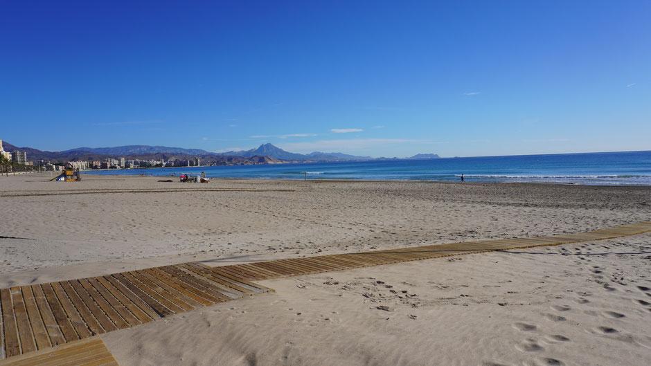 Morgenruhe am Strand ...