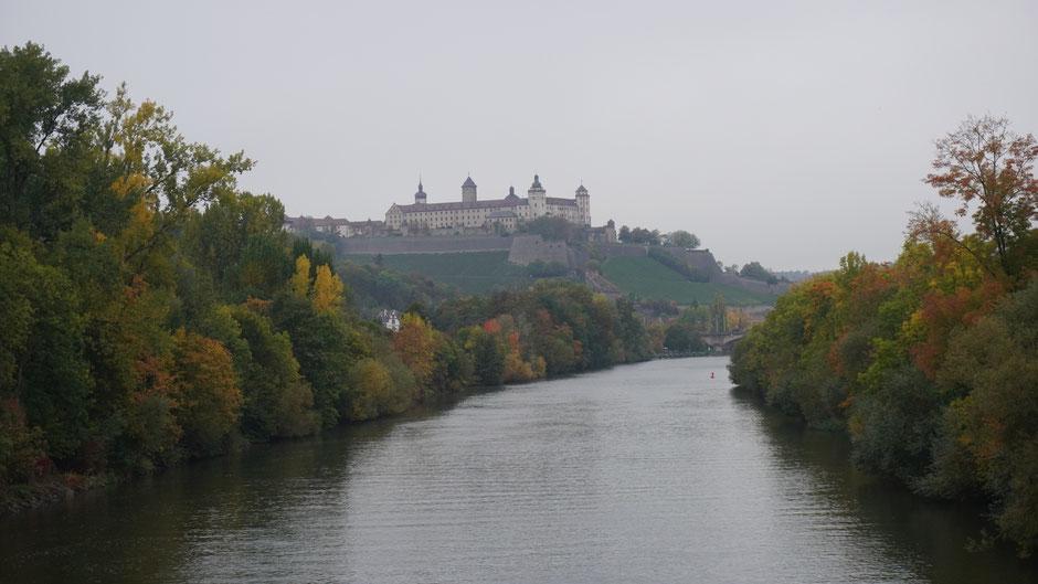 Festung Marienberg im Nieselregen