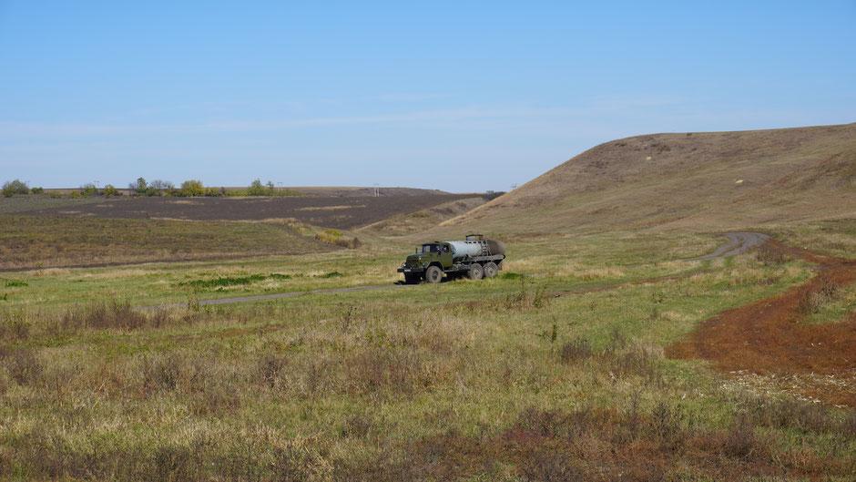 Zu einer russischen Landschaft gehören auch russische Autos