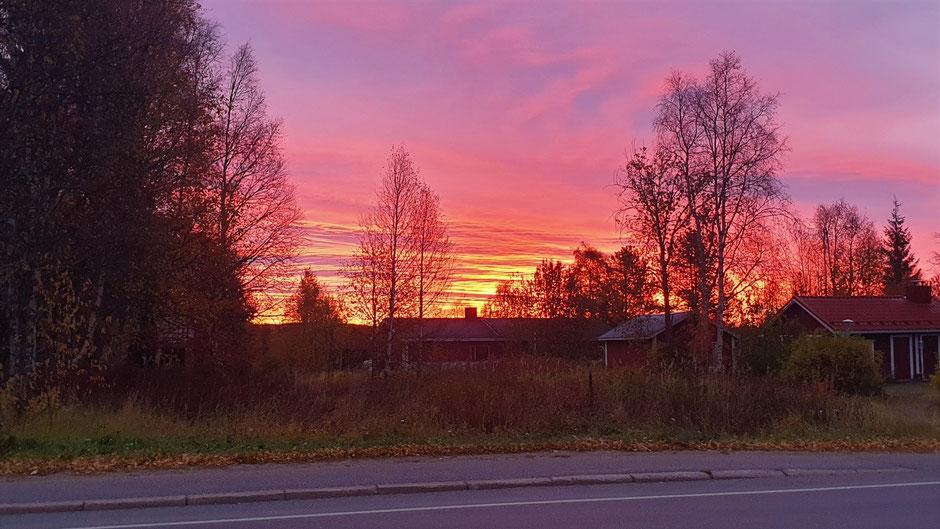 Brennender Morgenhimmel im Osten