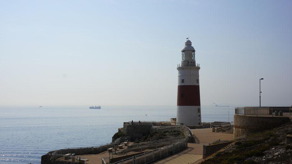 Südlichster Punkt mit Leuchtturm und der Meeresstraße von Gibraltar