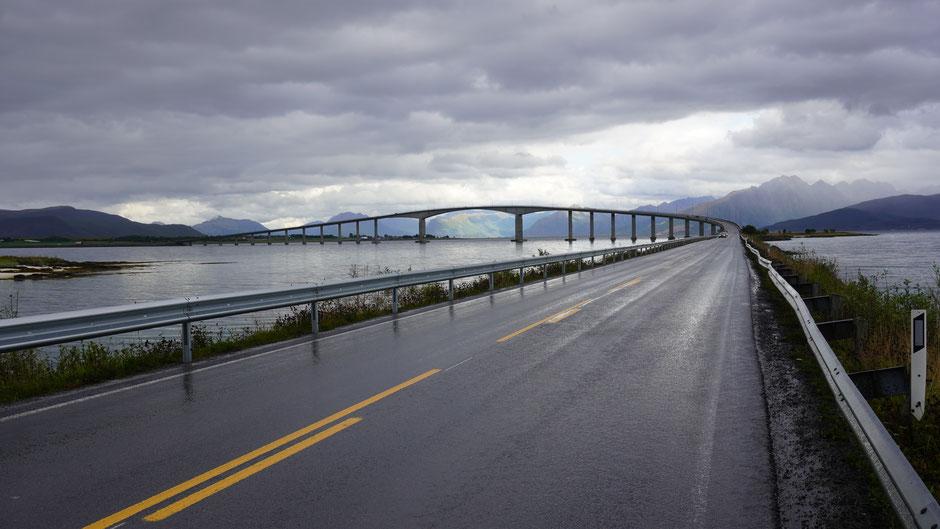 Formatfüllende Brücke