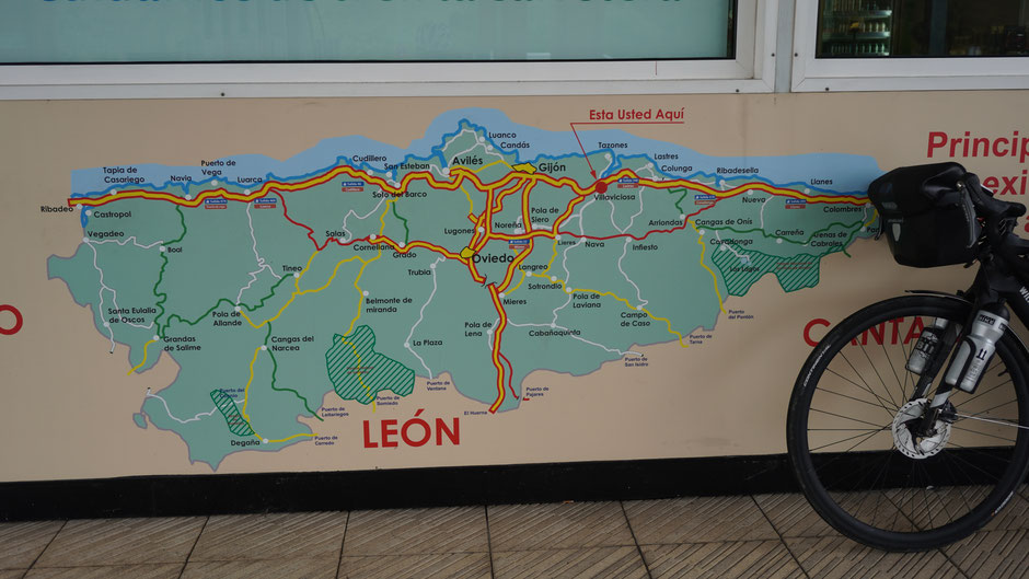 Orientierungstafel am Weg nach Gijon
