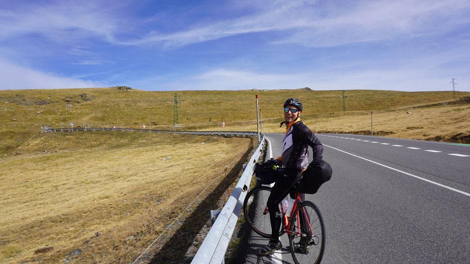 Auch einen Finnen fordert der höchste Pyrenäenpass ...