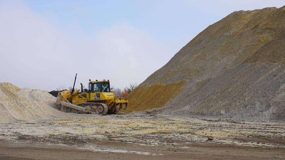 Autobahnbau - da braucht es schweres Gerät und viel Sand