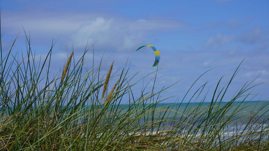 Strandimpression mit Segel