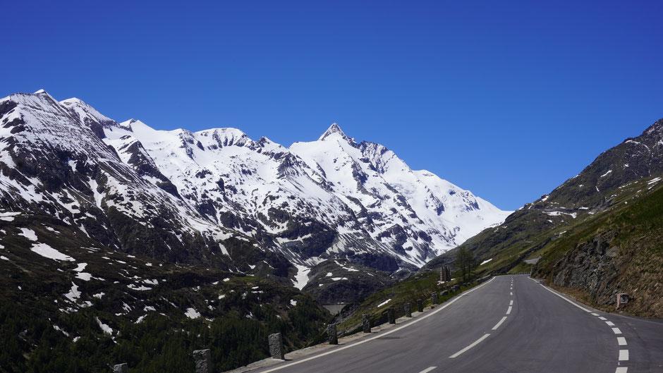 Am Weg zur Kaiser-Franz-Josefs-Höhe - jetzt zeigt sich Österreichs höchster Berg ein erstes Mal