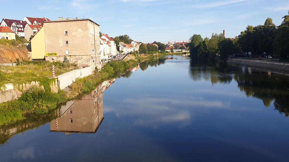Die Neiße bei Görlitz verbindet Polen und Deutschland