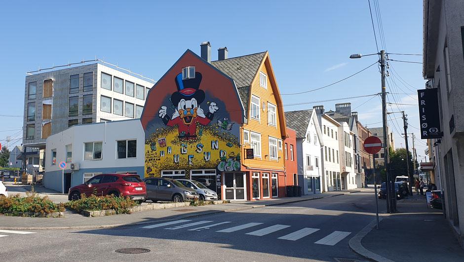 Donald Duck zählt die norwegischen Erdölmilliarden