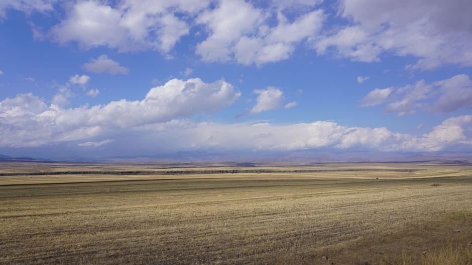 Wolken ziehen übers Land ...