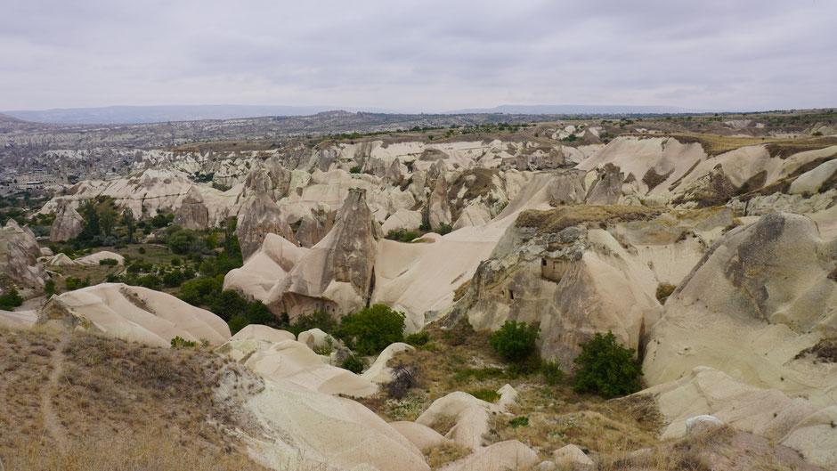 Geschichtsträchtiger Boden mit bizarren Felsformationen