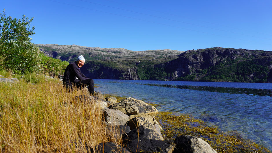 Mittagspause in einer feinen Bucht am Fjord
