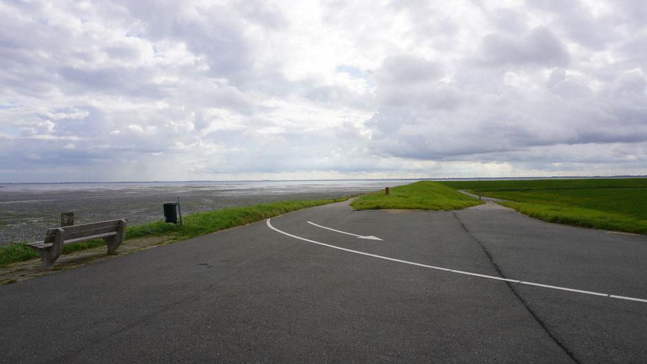 Flacher und weiter Küstenstreifen