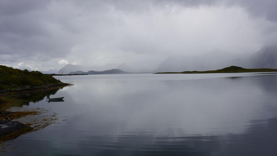 Regengrau oder Grau mit Regen