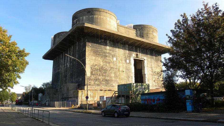 Umnutzung der besonderen Art: Ein Bunker in Hamburg-Wilhelmsburg wird im Rahmen der IBA Hamburg zum regenerativen Energiekraftwerk umgewandelt | © greenIMMO