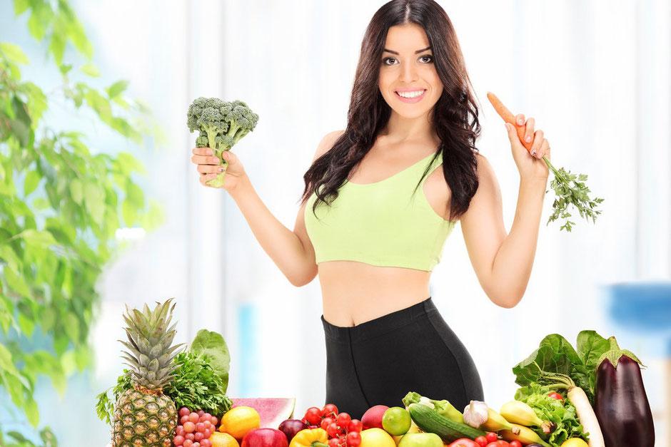Chú ý đến thức ăn và chế độ sinh hoạt hằng ngày để giảm cân