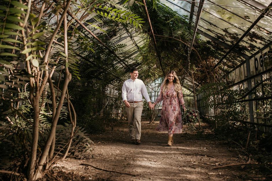 Paar im Gewächshaus - Kathrin Filla Fotografie