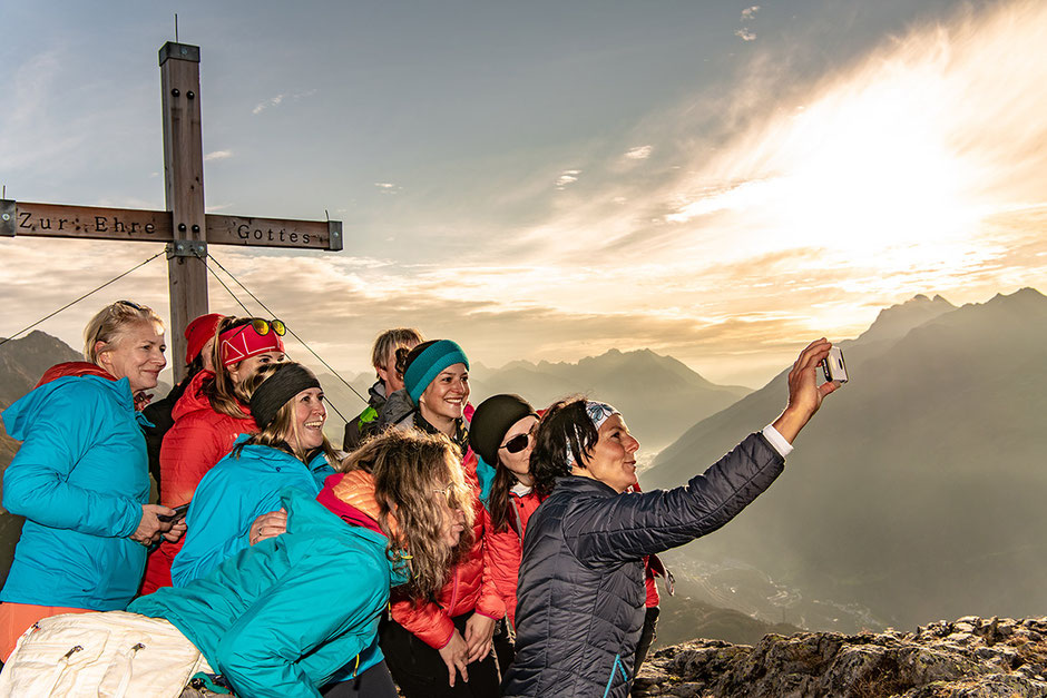 Sonnenaufgang Wanderung WIRT ab St.Christoph am Arlberg mit Gerlinde Kaltenbrunner