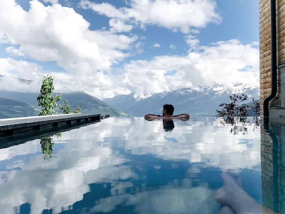 Infinity-Pool, Alpin und Relax Hotel DAS GERSTL (Vinschgau, Südtirol)