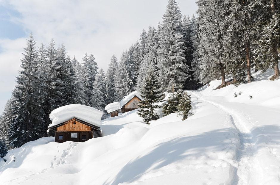 Wintermärchen in Tirol, Rodelwanderung zum Alpengasthof Loas