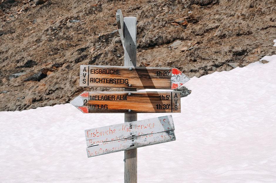 Wegweiser ab Weißkugelhütte