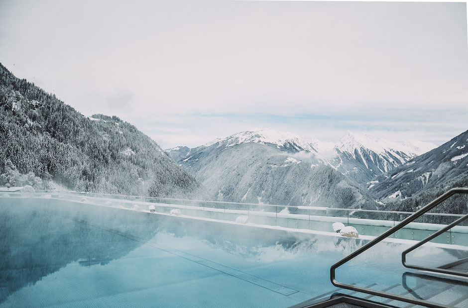 Infinity Pool im Stock Resort im Zillertal, Tirol