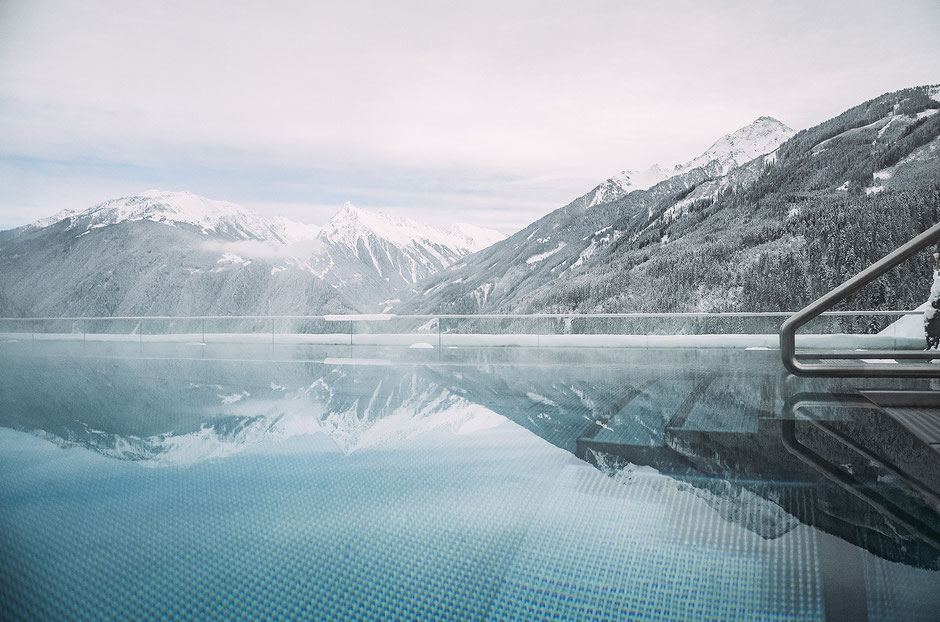 Infinity-Pool im Stock Resort im Zillertal, Tirol
