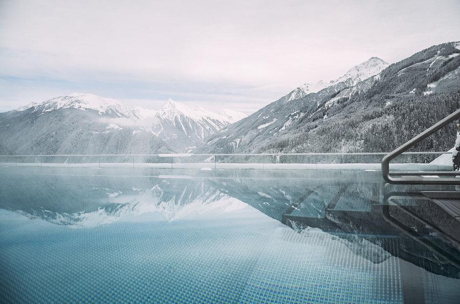 Infinity-Pool im Stock Resort im Zillertal, Tirol