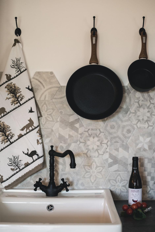 Schartner Alm, Camping - Baumhausing - Alm Lodges (Luxus-Campingplatz, Chalets, Wellness, Naturbadeteich, Familienurlaub) Ritten - Südtirol