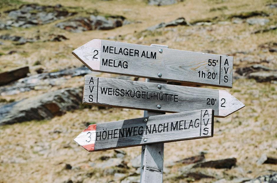 Abzweigung unterhalb der Weißkugelhütte zum Höhenweg nach Melag