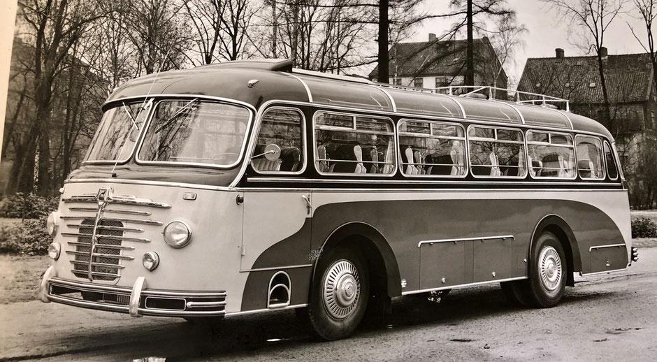Bei dem abgebildeten Fahrzeug handelt es sich um einen BÜSSING mit EMMELMANN-Aufbau (Quelle: Rainer Ravelin).