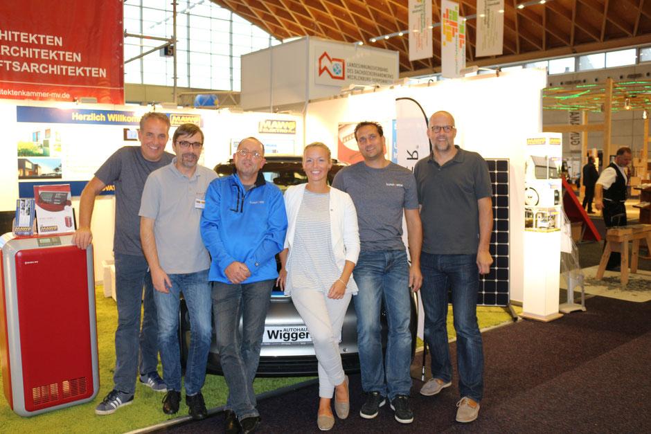 MAWO Elektro e.K. Meessestand auf der RoBau in Rostock mit Unterstützung durch das Authaus Wigger und Frau Bierstedt