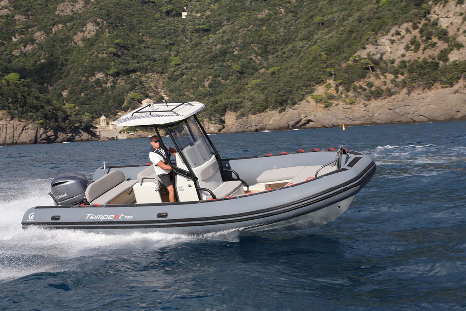 Capelli top line ribs - Tempest 750 SPORT - Rubberboot Holland Aalsmeer