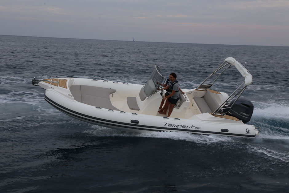 Capelli top line ribs - Tempest 700 OPEN NEW - Rubberboot Holland Aalsmeer