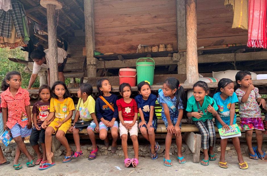 Leerlingen van English goes to Kampung vrijwilligersproject op Sumba