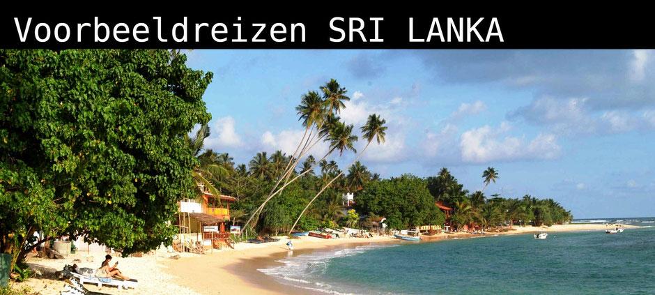 Goudgele strand van Unawatuna in zuid Sri Lanka