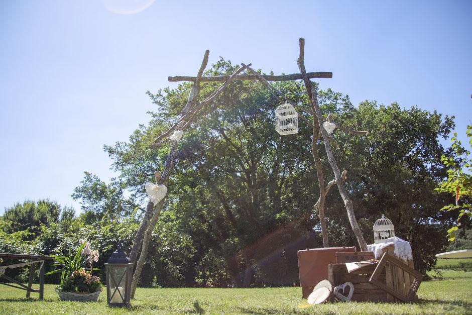 Arche bois cérémonie laïque champêtre rustique nature hippie bohème rétro champêtre