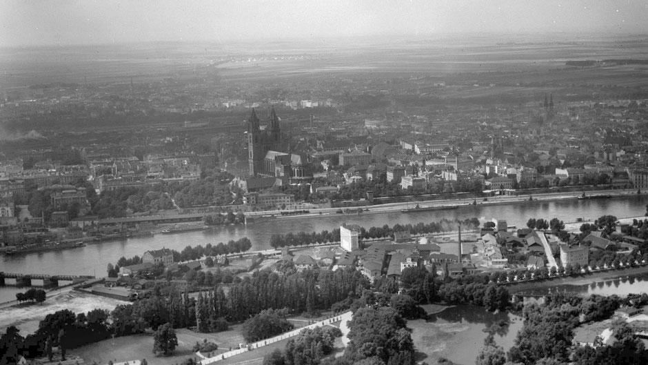 Das dicht bebaute Gebiet am Kleinen Stadtmarsch um 1920. Foto: Stadtarchiv Magdeburg