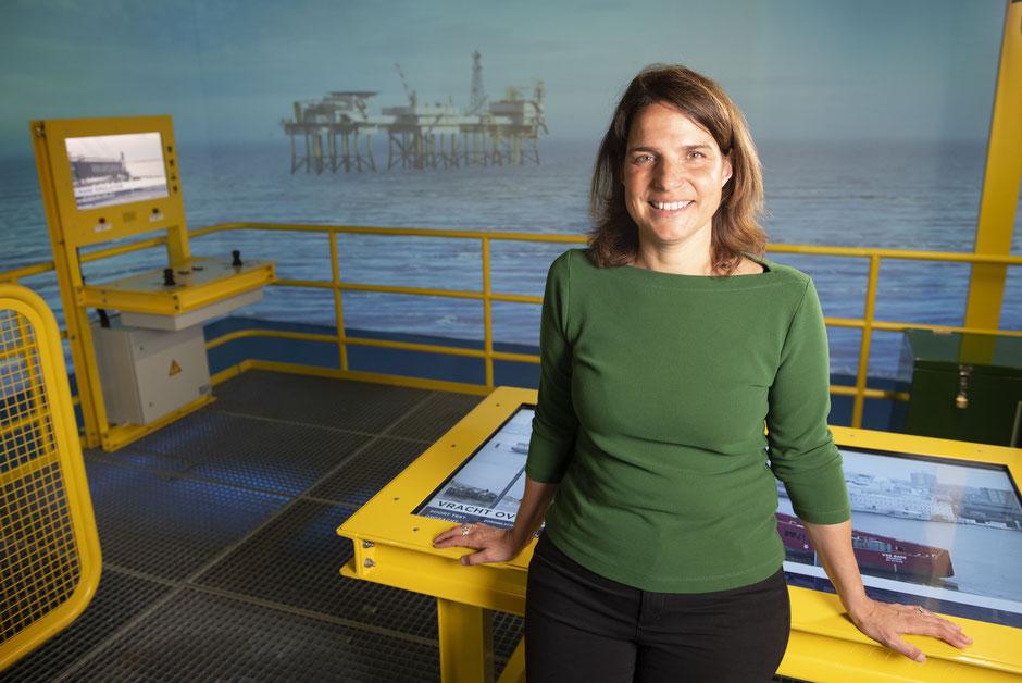 Marketing and communications advisor Judith Freijser in the Maritime Museum's 'Offshore Experience'  | Photo © TekstEnPlaat.nl