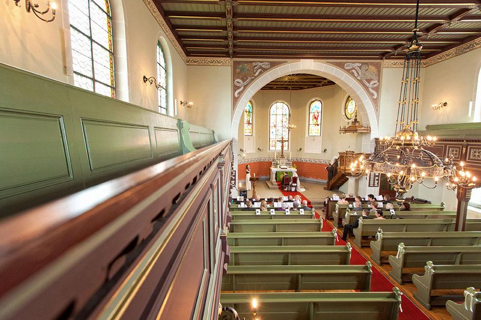 Kirche albernau, albernau Kirche, Kirche zschorlau, zschorlau kirche, hochzeit, kirchliche hochzeit, kirchliche trauung, hochzeitsfotograf,