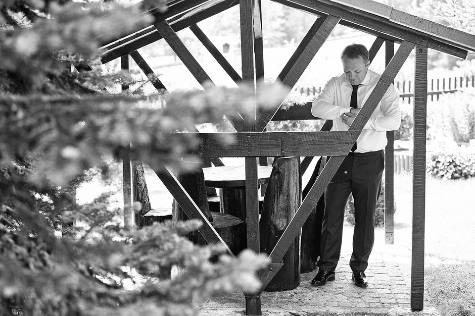 bräutigam, hochzeitsreportage, hochzeitsfotografie